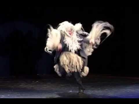 Le Cirque invisible de Victoria Chaplin et Jean-Baptiste Thierrée.  Jean-Baptiste Thierrée is a favortie performer of mine