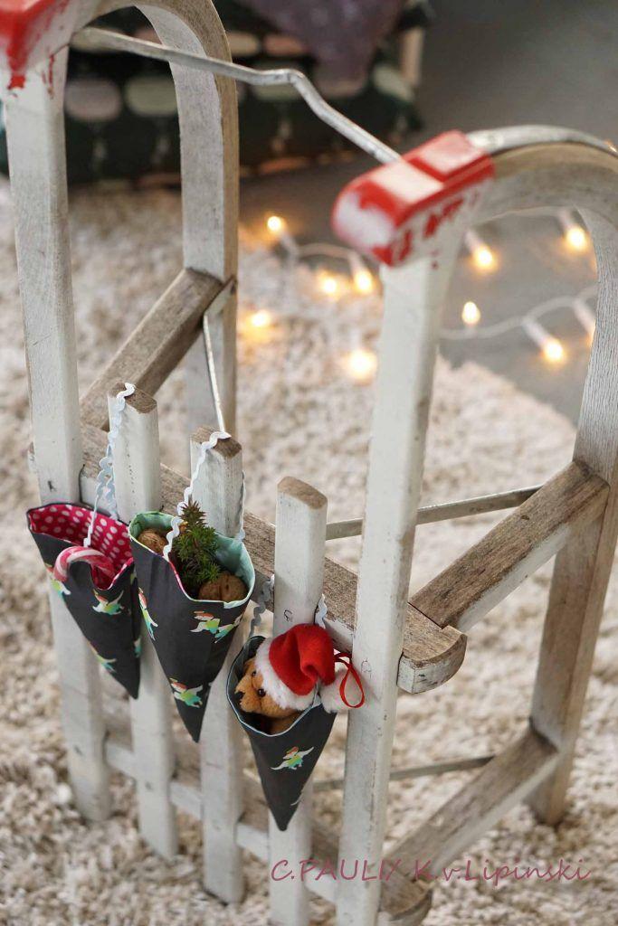 kostenlose Anleitungen für Weihnachtsdeko - Spitztüten aus Stoff, Weihnachtsbaumdecke, Baumanhänger