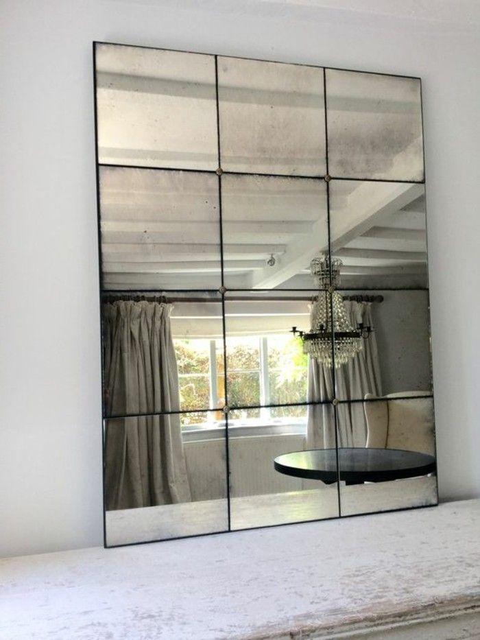 Großer Wandspiegel, Fensterspiegel und elegantes Interieur