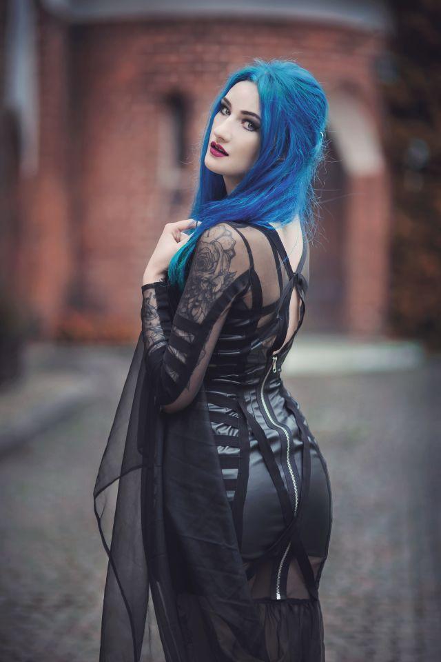 Gótica de pelo de azul. Goth