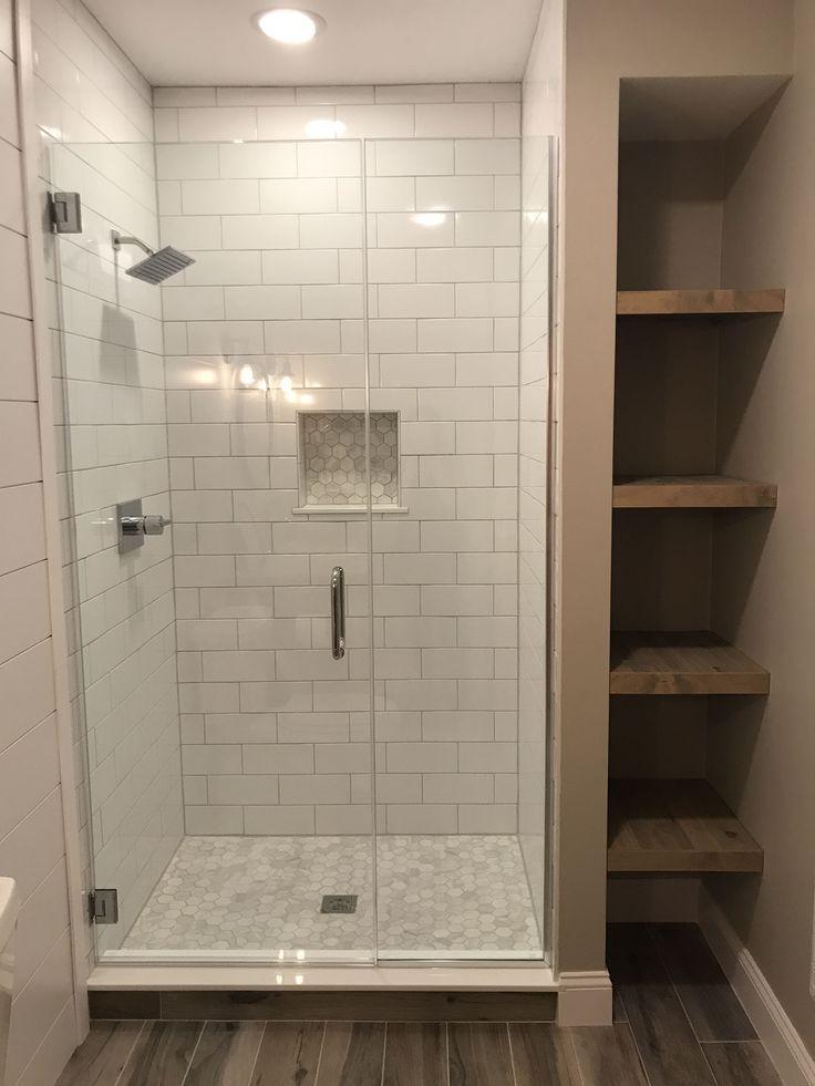 Dusche mit Seitenregal #Duschrenovierung – #