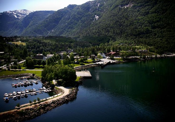 Kinsarvik Camping, Ullensvang, The campsite lies beside the Hardanger fjord.  We have a modern campsite with 25 cabins of varying standard.  4 - 8 beds, from quite basic to units with showers, WC and saunas.  Most of them afford beautiful views of the ...