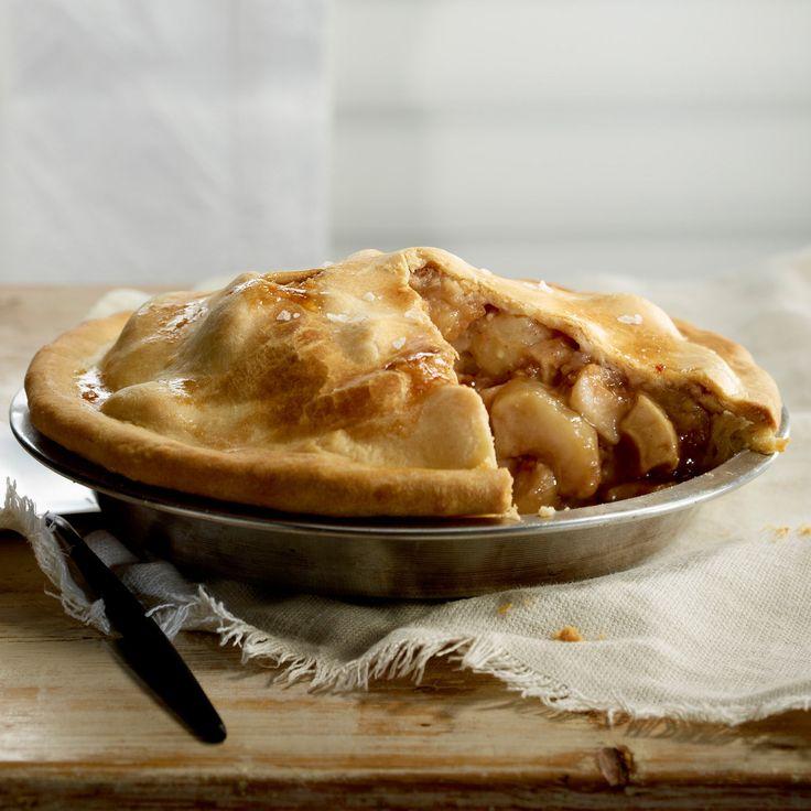 Découvrez la recette Tourte aux pommes caramélisées sur cuisineactuelle.fr.