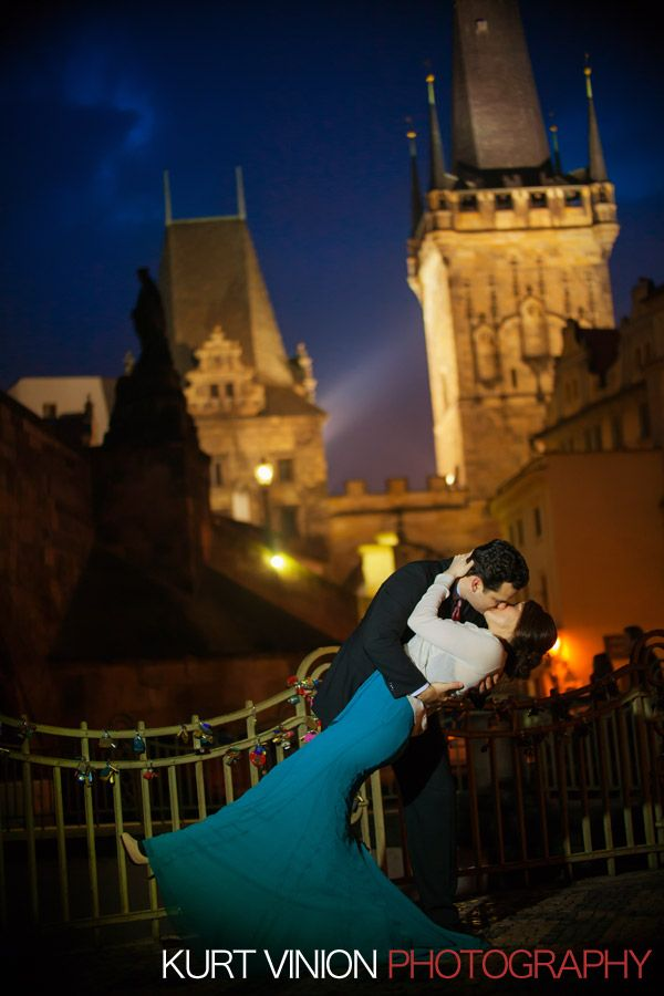 A wonderful couple from the US who wanted a simple yet beautiful Christmas Engagement Portrait Session in Prague with yours truly