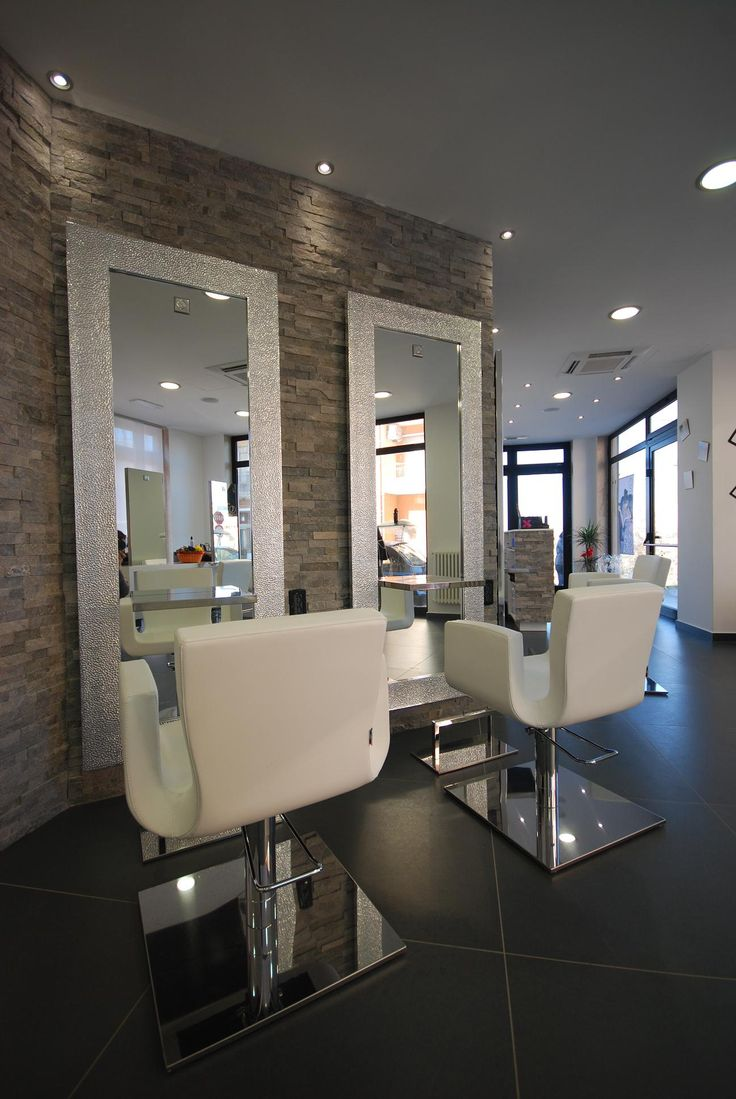 Best 25 hair salons ideas on pinterest salon ideas salons decor and salon design for Decoration de salon
