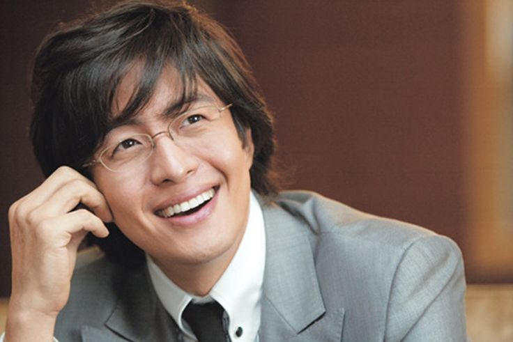 """Bae Yong Joon. I've seen him in the movie """"Untold Scandal"""", K-dramas """"Winter Sonata"""" and """"Hotelier"""". His picture was everywhere when we visited Korea in 2005."""