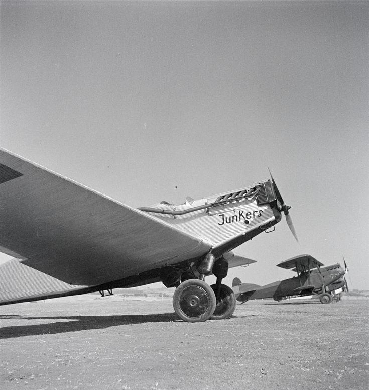 Юнкерс W 33 на летном поле в Аддис-Абебе