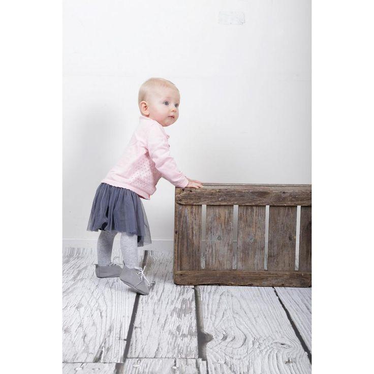 Babysteps voorziet jouw kindje van de beste schoentjes #baby #babyslofjes #slofje #wehkamp #kleding #schoenen #kids #kinderschoenen #grijs #meisje #jongen #babysteps