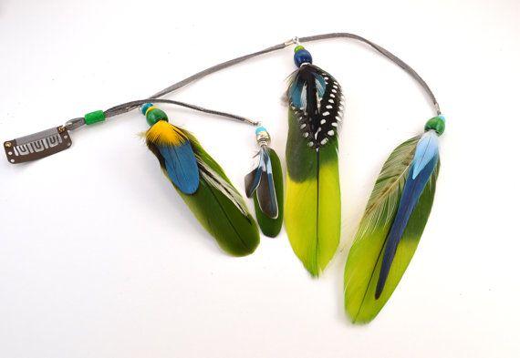Pince à cheveux plume unique et coloré, extension de cheveux plume, faite avec des plumes de perroquet, des plumes de coq et des plumes de