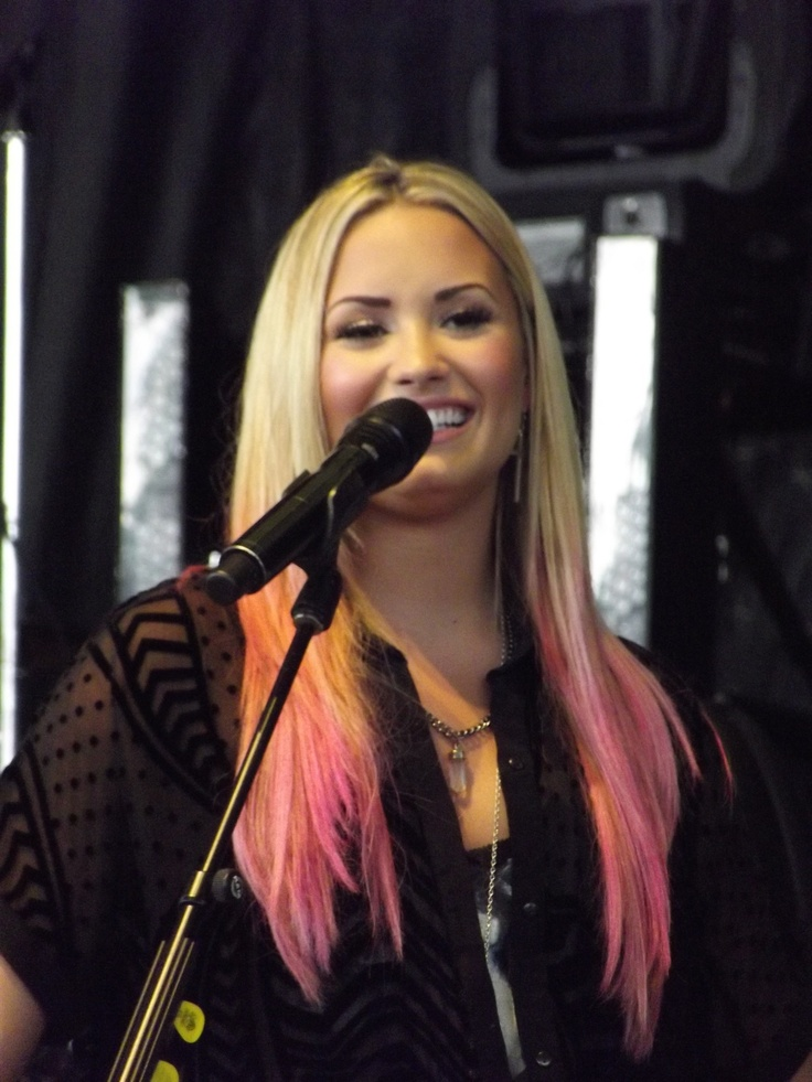 God I love you Demi :)))