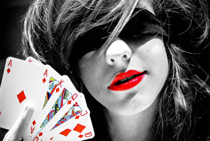 .: Red Royals, Red Lipsticks, Red 17 Pictures, Red Colors, Cool Pictures, Colors Photography, Colors Splash, Poker Faces, Beautiful Red