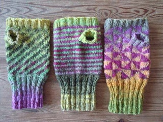 Lovely knit fingerless gloves by the very talented EvaL8