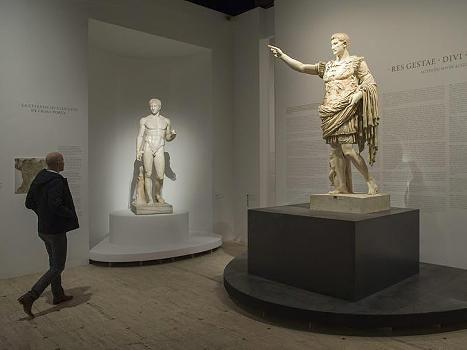Kaiser Augustus in Paris.