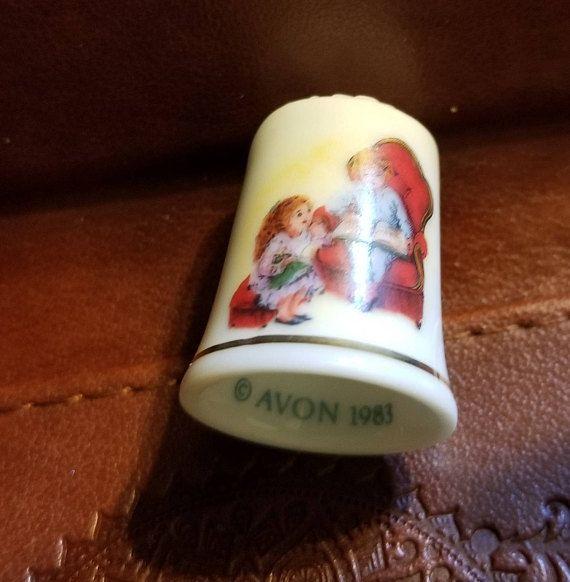Vintage 1983 Avon Christmas Thimble