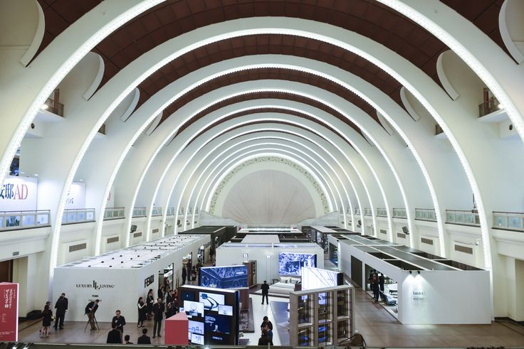 The first Salone del Mobile.Milano Shanghai is here at last: until Monday 21th, 56 Italian companies, 41 young SaloneSatellite Shanghai designers and 5 Master Classes will wow the Chinese market. Enjoy!