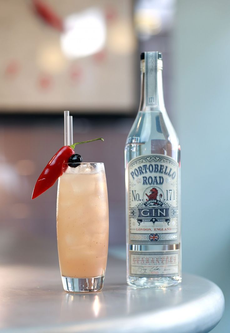 A refreshing cocktail of grapefruit juice and Portobello Road Gin. Garnished with a hot Aji Rojo pepper.