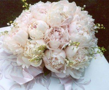 Bouquet e composizioni floreali - Peonie e mughetti