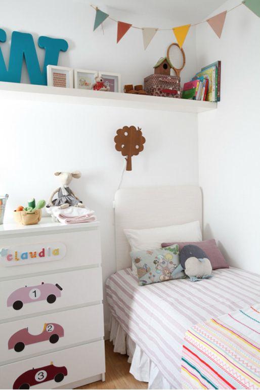 decorar con vinilos de coches las habitaciones de niñas - Deco & Living