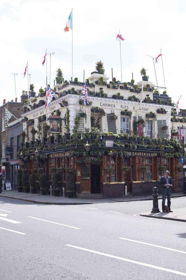 London is filled with nice pubs. Check this guide to discover the best one when you visit London. http://townske.com/guide/15556/london-pubs