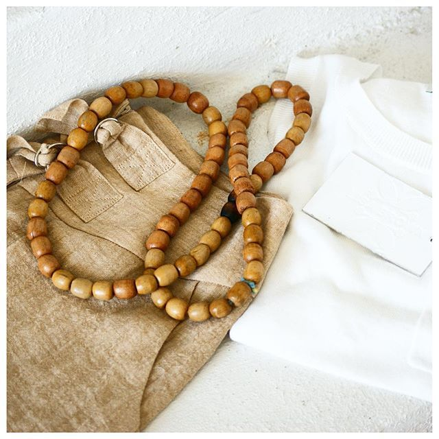 SIMPLE STYLE :: the MONICA Top in white and BETH Pocket Short in wheat and wooden beaded necklace.  Available from select stockists throughout Australia and at the Lisa Brown Studio each Saturday. #lisabrowndesigns #lisabrown #linen #summer #summerfashion #dummerstyle #simplestyle #wiw #lookbook #ootd #ootdshare #beachfashion #outfit #todaysoutfit #lookoftheday #outfitoftheday #fashionpost