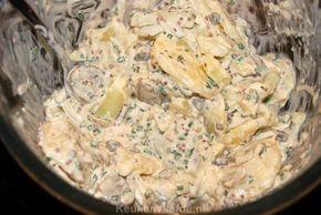 Deze Duitse aardappelsalade wordt op smaak gebracht met o.a. slagroom en mosterd en smaakt echt voortreffelijk. Een perfect bijgerecht voor de barbecue!