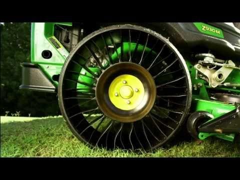 JOHN DEERE : Découvrez le nouveau pneu sans air MICHELIN® X® TWEEL® TURF™ disponible exclusivement sur les tondeuses autoportées John Deere ZTrak™ 900 Séries B,M et R. La technologie du « pneumatique » sans air (en fait, le terme de roue serait beaucoup plus approprié, bien qu'il ne s'agisse ni d'un pneu, ni d'une roue !) est une véritable révolution pour tous les véhicules car il s'agit d'un système anti-crevaison aux multiples avantages non seulement pour les utilisateurs.