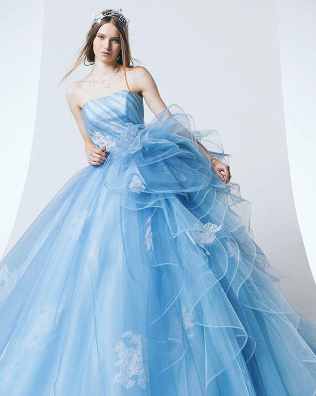 Utterly blown away by this sky blue ruffled gown from Kiyoko Hata! #blie #gown #dress #weddingdress #blue #praisewedding