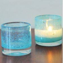 Açık mavi buzlu cam bardak mumluklar...