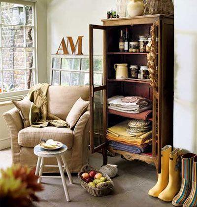 love the bookshelf