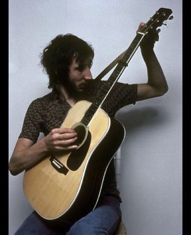 Pete Townshend With Images Pete Townshend Guitar Rock N Roll