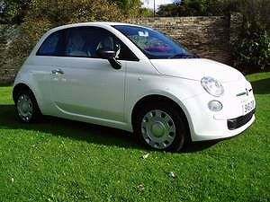 Buy a used #Fiat #500 in Sheffield. The Fiat 500 is a modern and stylish car that suits drivers of all ages. Visit http://www.finditlocaldirectory.co.uk/buy-a-used-fiat-500.html