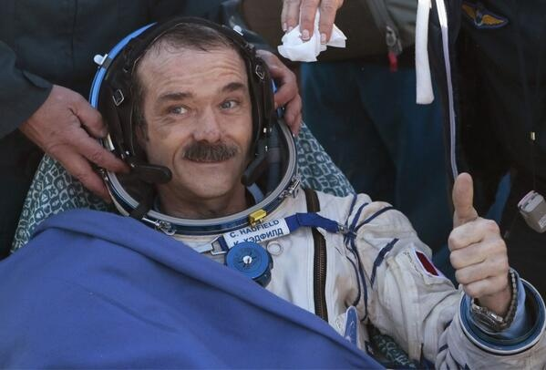 The return of Chris Hadfield on earth is not easy... He is feeling as an old man, a really old man! http://www.journaldemontreal.com/2013/05/16/rat-de-laboratoire-humain