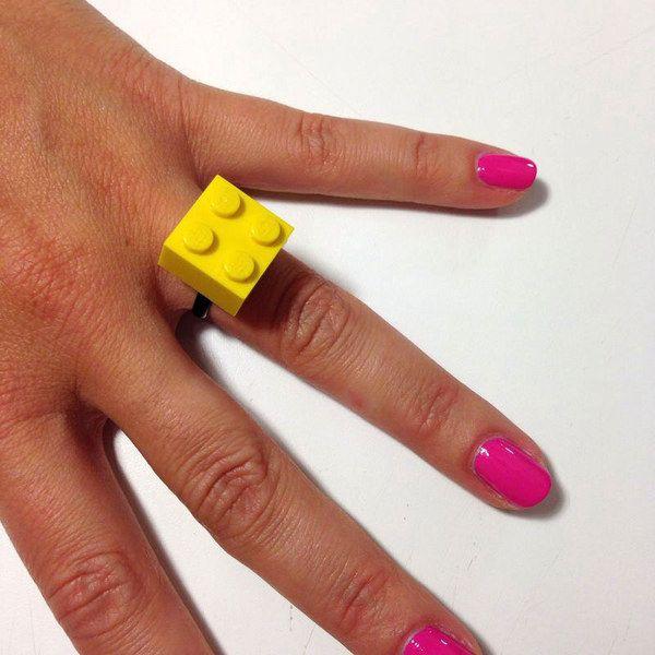 Bague et broche en LEGO : comment fabriquer une bague en LEGO - aufeminin