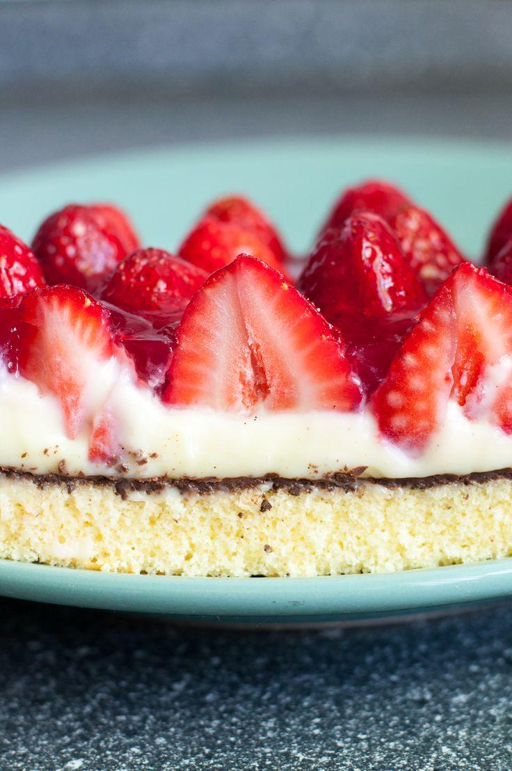 Mein ultimativer Erdbeerkuchen mit Vanillepudding und Schokolade #Erdbeeren #Pudding #Schokolade