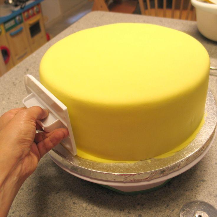 La Cronaca rivestite di zucchero: Perfect fondente: Consigli per coprire una torta Perfettamente