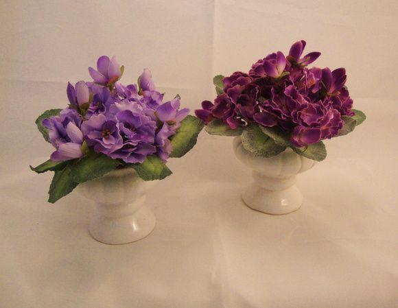Arranjo com Violeta Africana,vaso taça em porcelana branca,musgos. Esta violeta é tão idêntica a natural que vem até os pelinhos nas folhas! Escolha sua cor, lilás, violeta. R$ 38,99