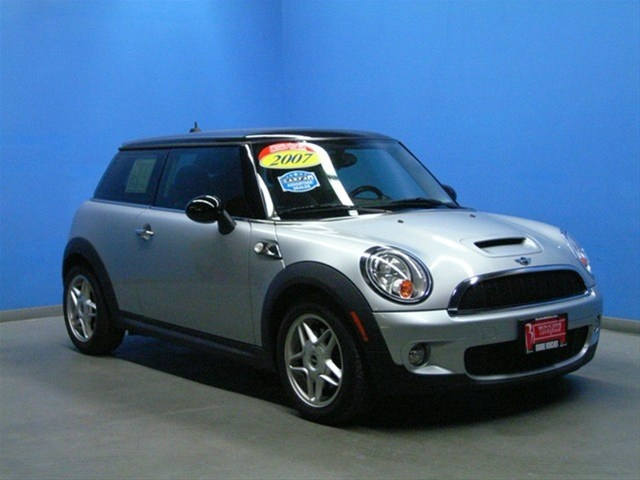 1000 ideas about 2007 mini cooper on pinterest mini. Black Bedroom Furniture Sets. Home Design Ideas