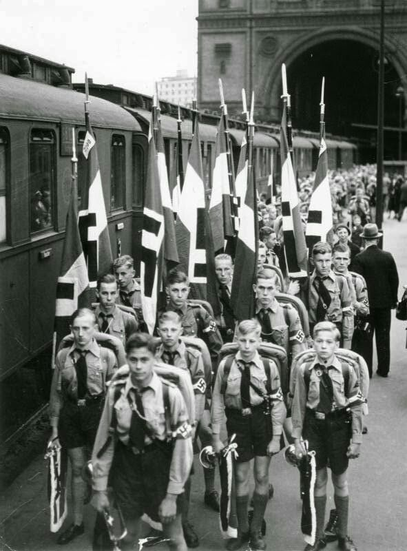 a history of the hitler youth movement in the third reich Hitler youth: growing up in hitler's teenagers who willingly or reluctantly joined hitler youth children into unquestioning obedience of the third reich.