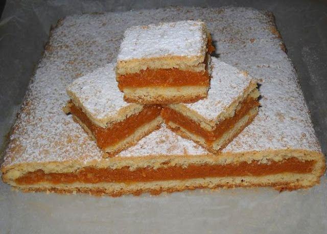 Bunătăţi din bucătăria Gicuței: Plăcintă fragedă cu dovleac