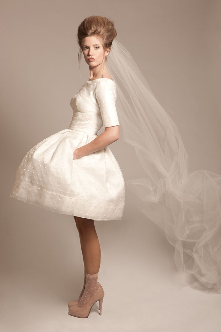 if only I knew about this dress before I got married! Amazing!