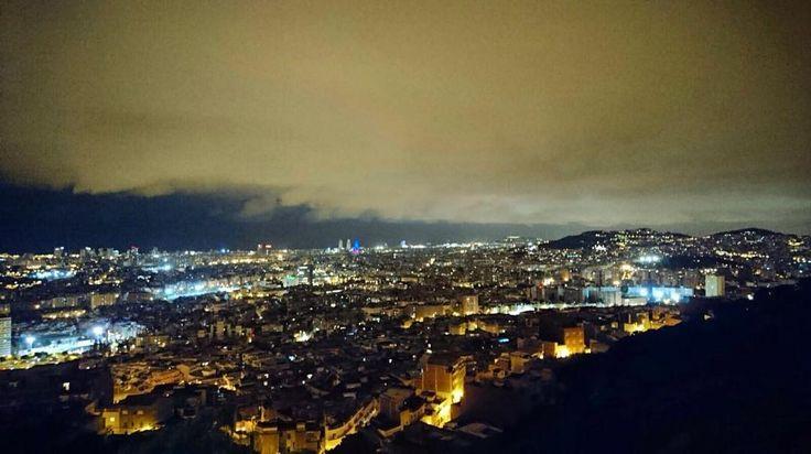 Bona nit Barcelona!  #Barcelona #skyline #travelgram #nightphotography #instatravel