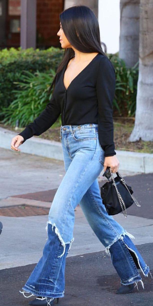 Pinterest: DEBORAHPRAHA ♥️ Kourtney kardashian street style #kourtneykardashian