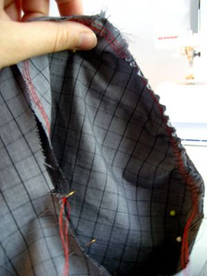 Learn How to Attach a Set-In Sleeve | Sew Mama Sew | Outstanding sewing, quilting, and needlework tutorials since 2005.
