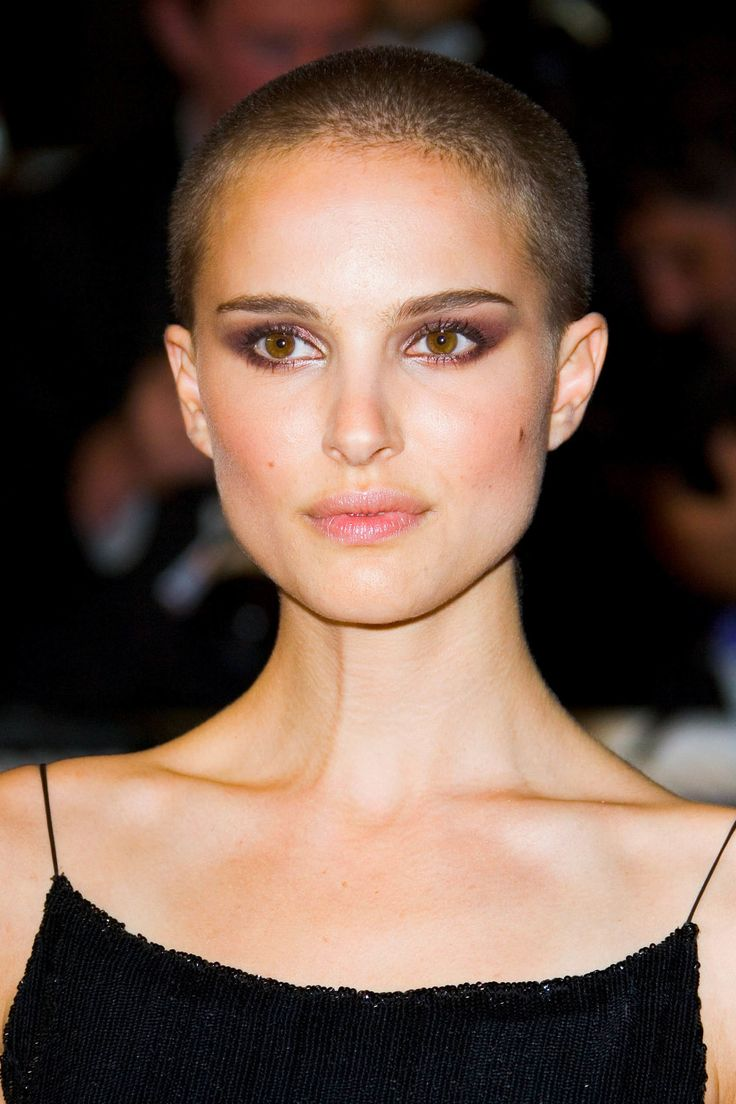 Natalie portmans shaved head glistening