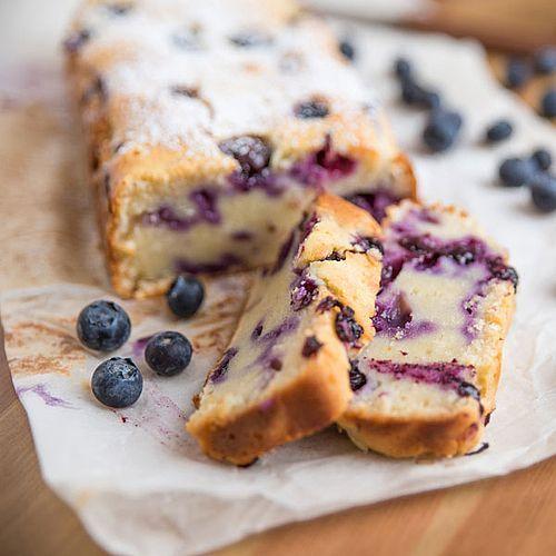 Saftiger, schneller Low Carb Blaubeer-Vanillekuchen