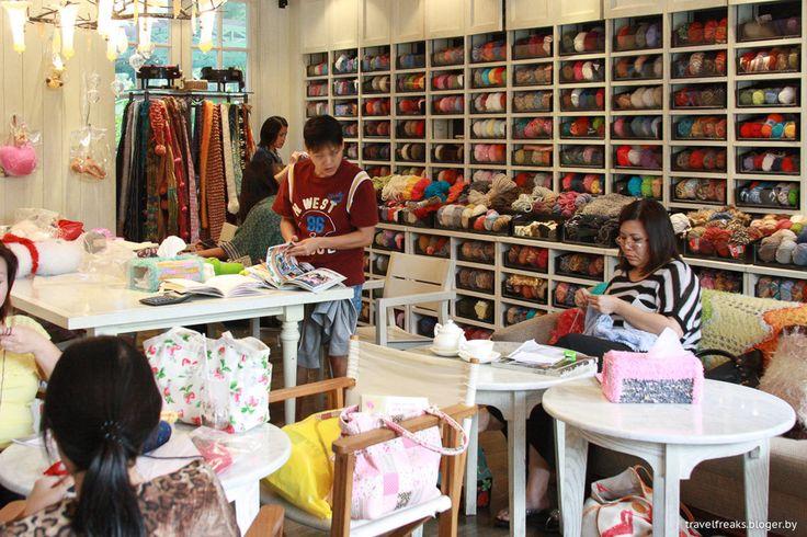 Кафе Big Knit,Бангкок|Двое с рюкзаками