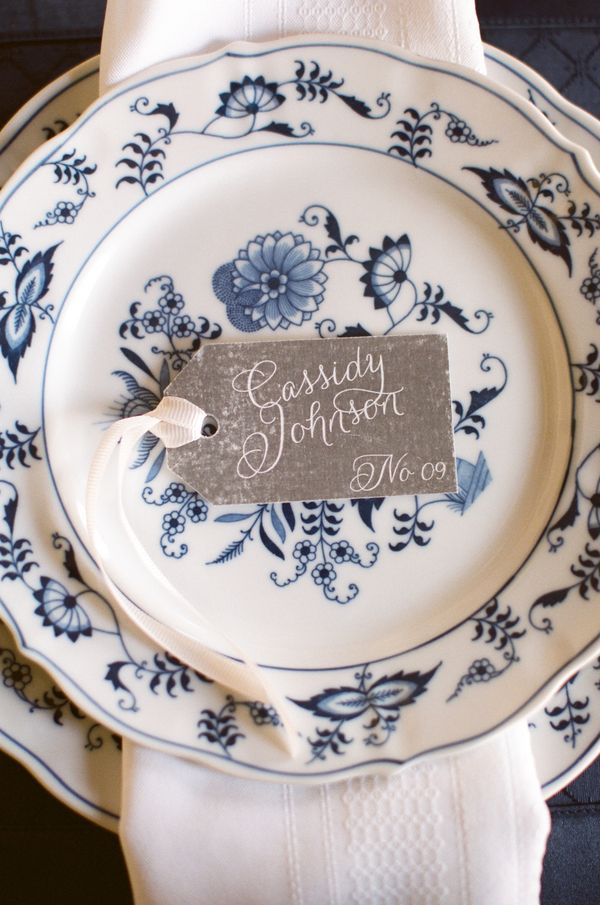 An alternative idea for a classic theme would be to incorporate a dash of vintage - these blue plates would look fab with white linen and silver tableware