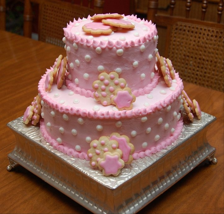 Baby shower cake. Simple polka dots