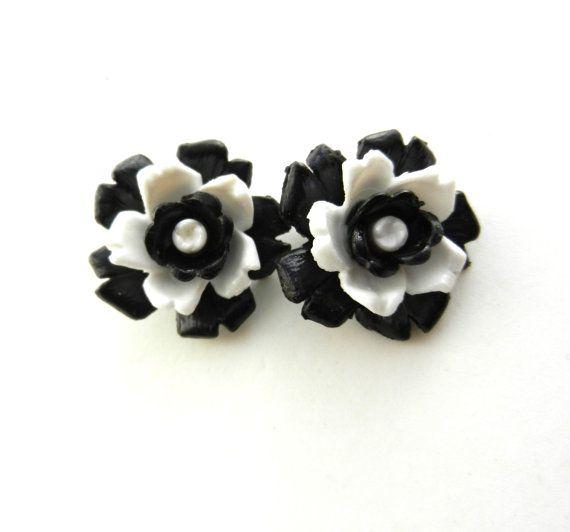 Fantastic Earrings 1960 original  3D flowers in by RAKcreations