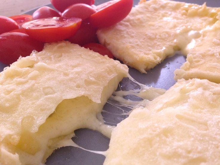 Το σημαντικό σε ένα σαγανάκι είναι να έχει μια όμορφη και αρκετά χοντρή κρούστα ώστε να μην ξεφύγει το τυρί από την κρούστα και αρχίσει και λιώνει μέσα στο τηγάνι. Για να φ...